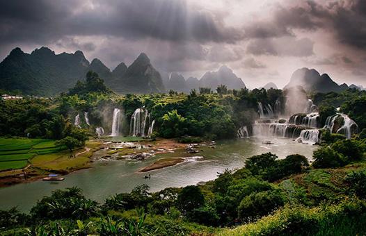 North East Vietnam motorbike tours_0002_Ban Gioc Waterfall